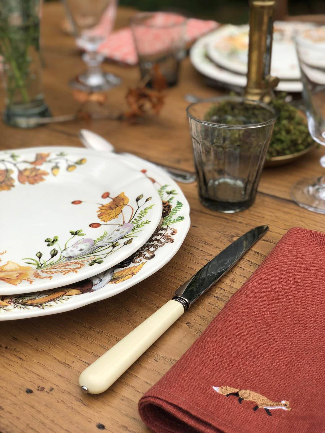 Autumn-table-setting-gien-chanterelles-9