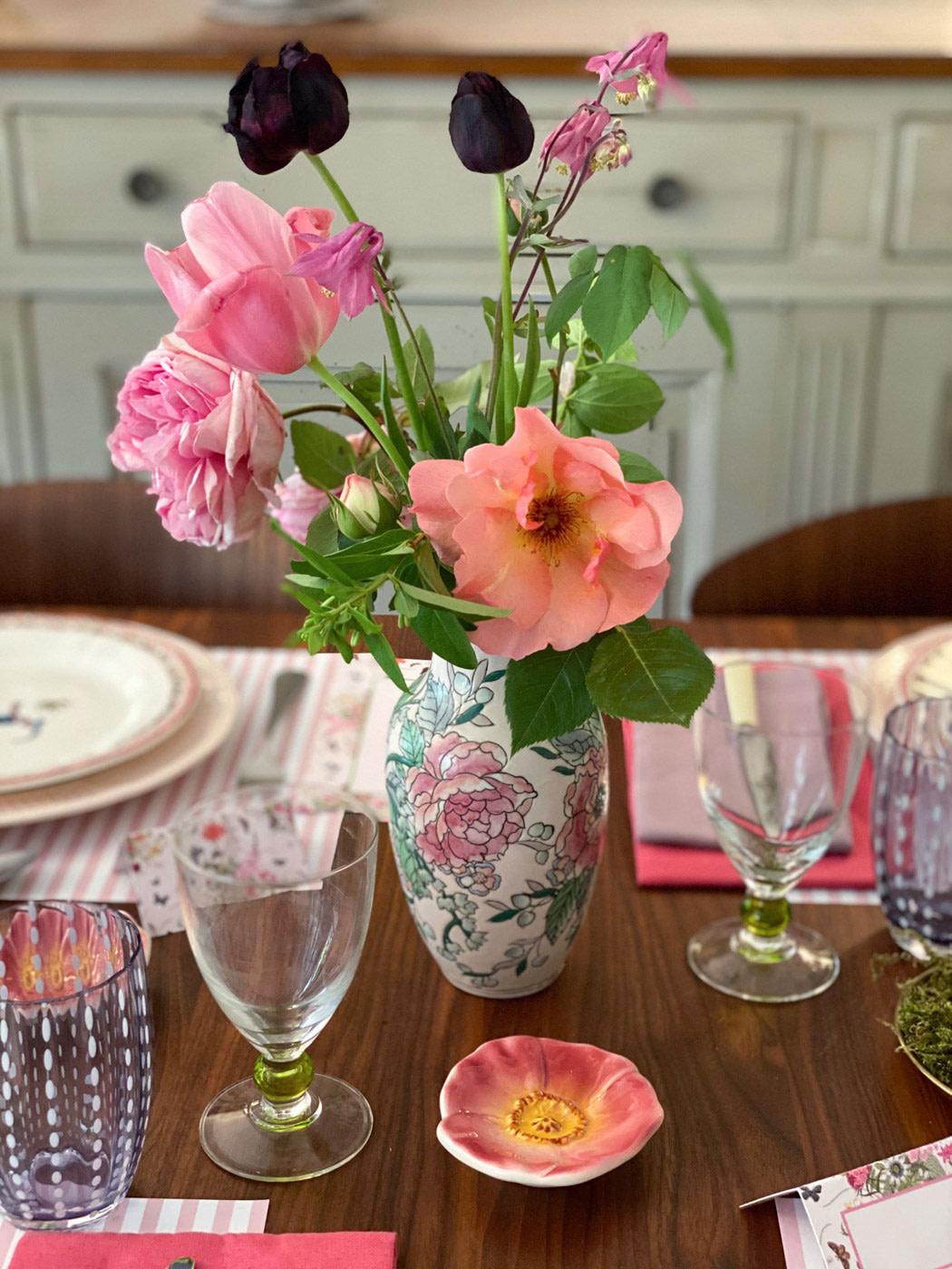 une-bonne-maison-french-lifestyle-blog-spring-tablescape-lockdown-paris-08
