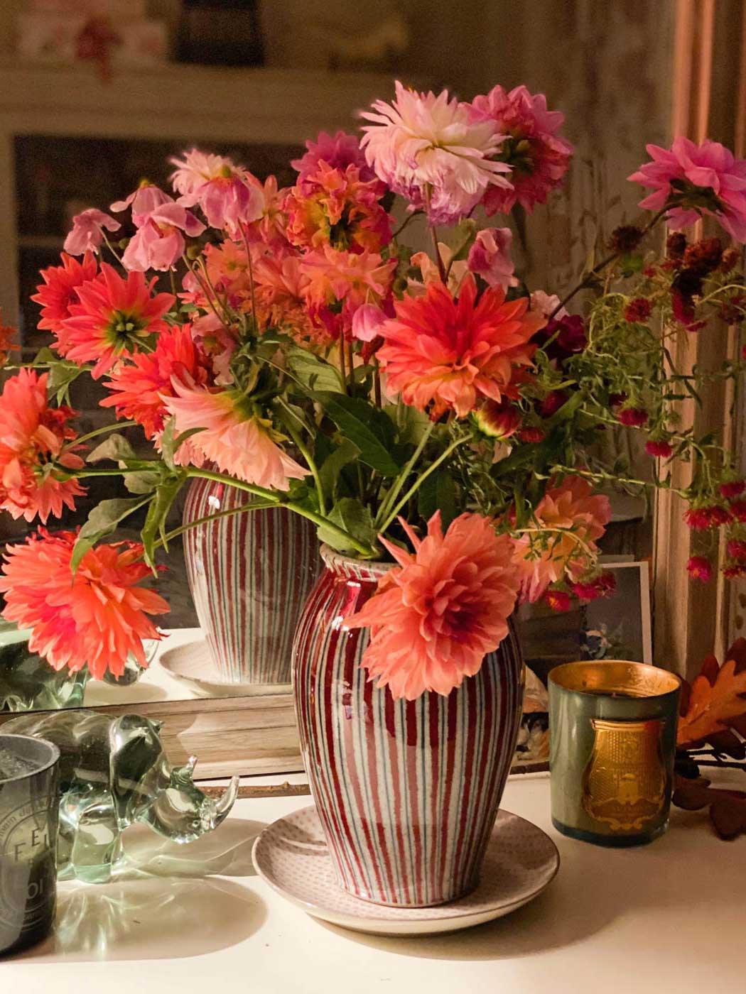 fall-automne-bouquet-dahlias-art-floral