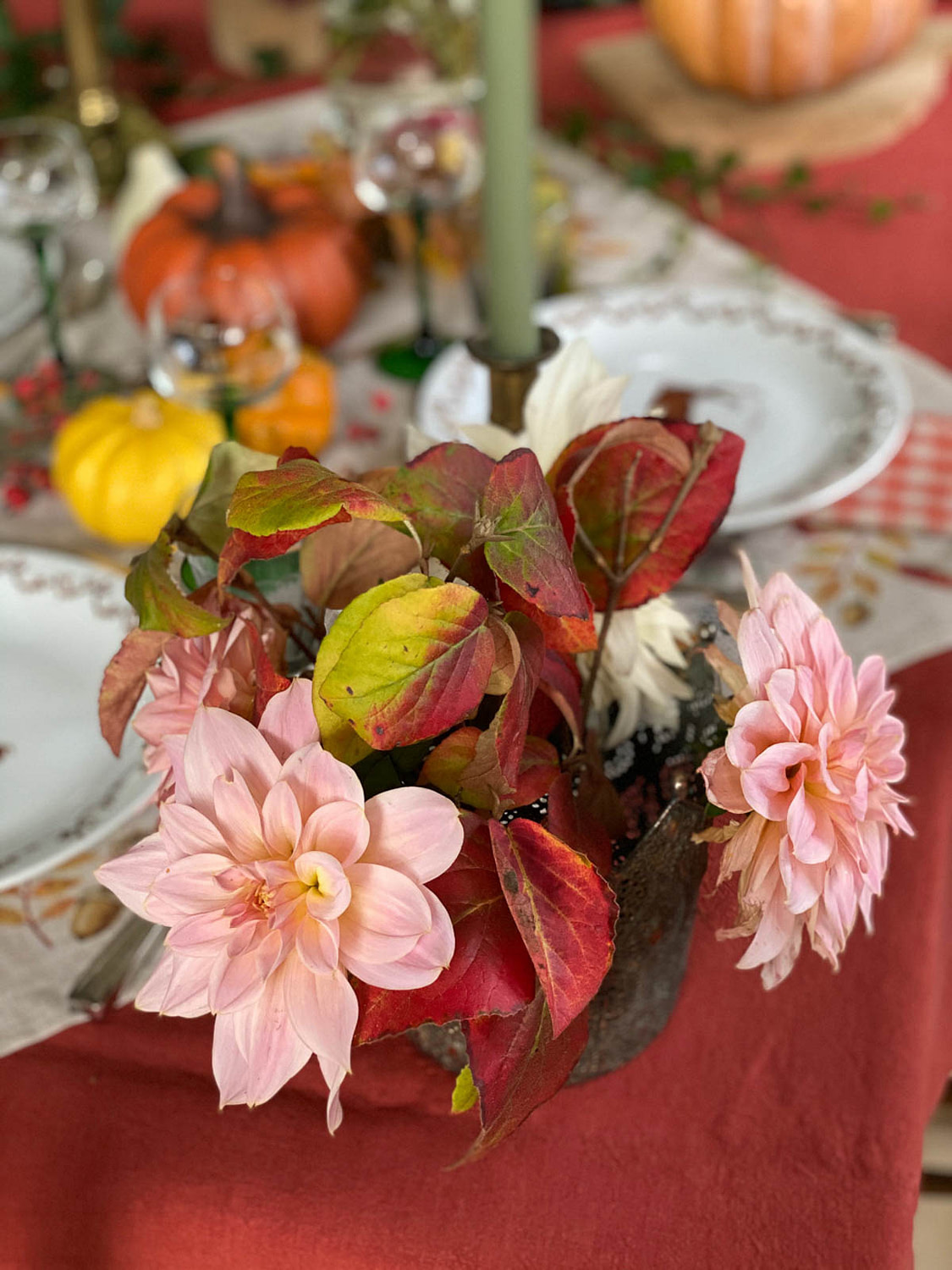 Autumn-table-setting-woodland-35