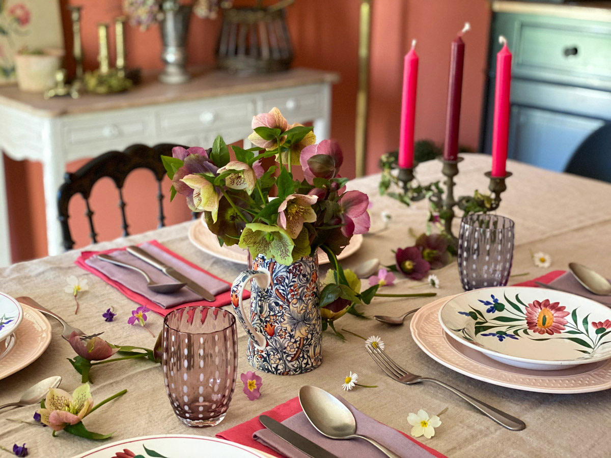a-charming-spring-table-tablescape