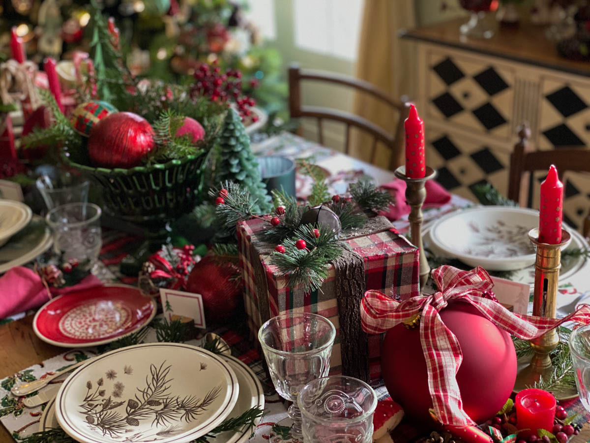 traditional-christmas-tablescape-table-fetes-noel-traditionnel-05