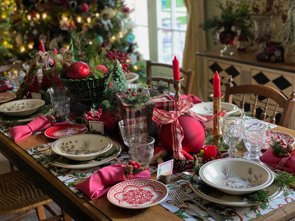 traditional-christmas-tablescape-table-fetes-noel-traditionnel-10