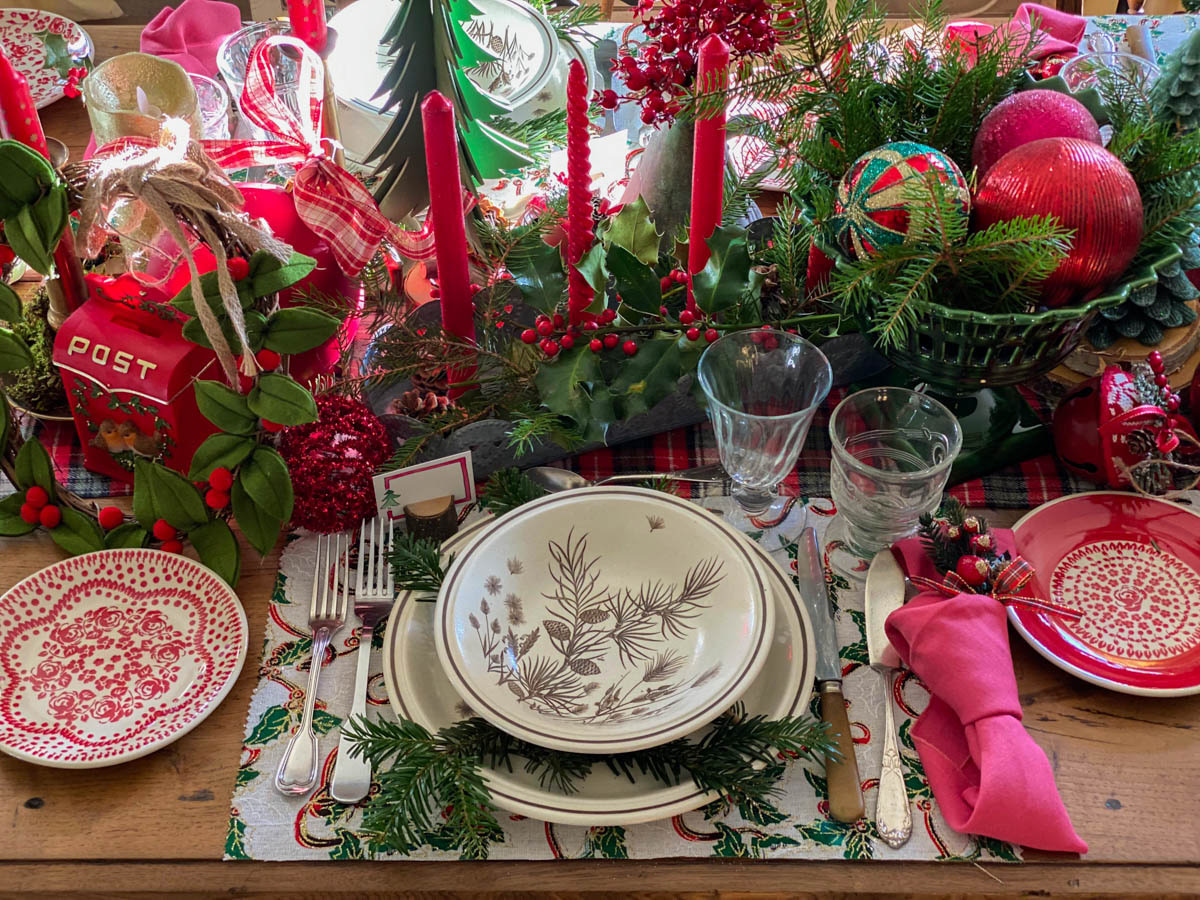 traditional-christmas-tablescape-table-fetes-noel-traditionnel-13