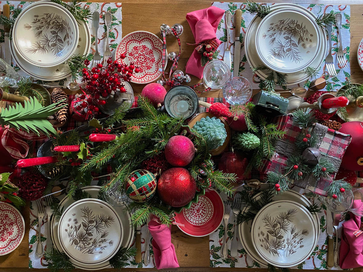 traditional-christmas-tablescape-table-fetes-noel-traditionnel-20