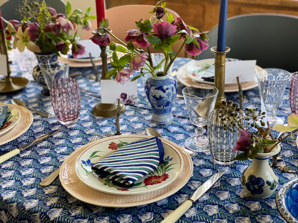 art-de-table-printaniere -decoration-hellebores-tablescape-french-country-style-08