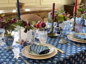 art-de-table- printaniere-decoration-hellebores-tablescape-french-country-style-07