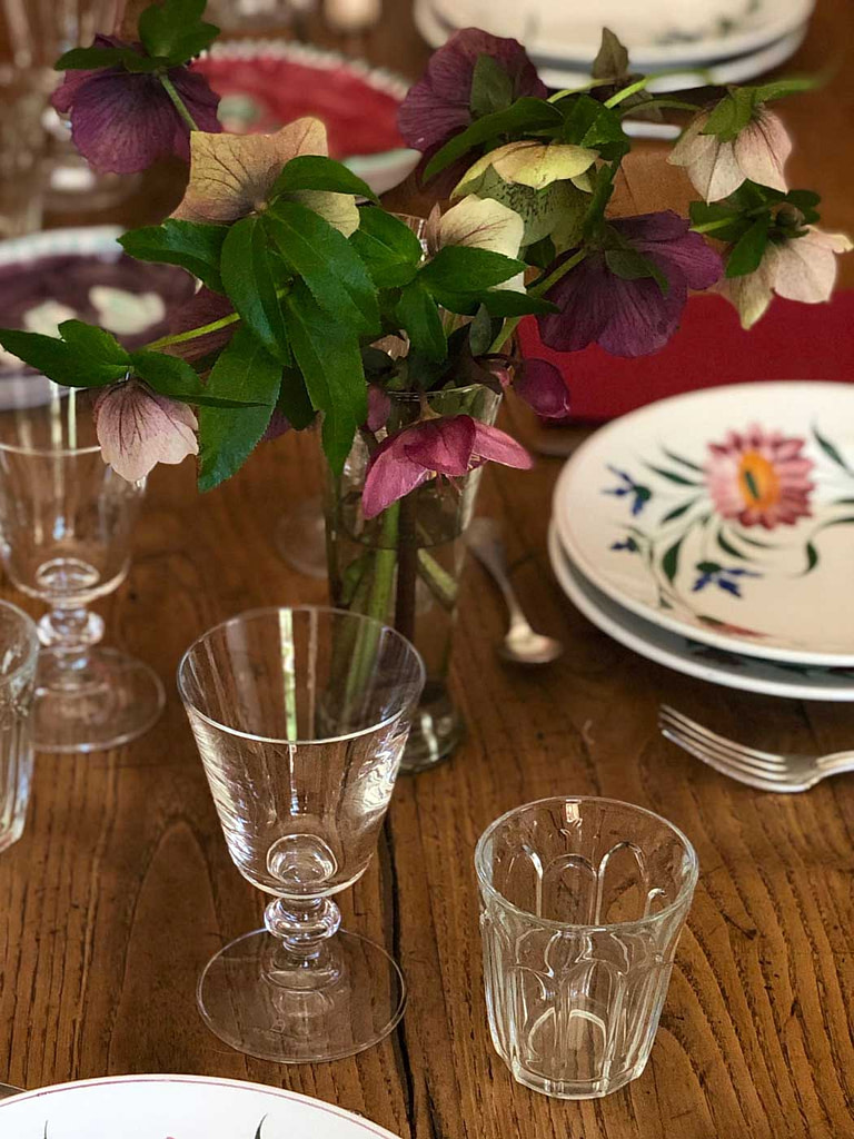 glassware table setting flowers