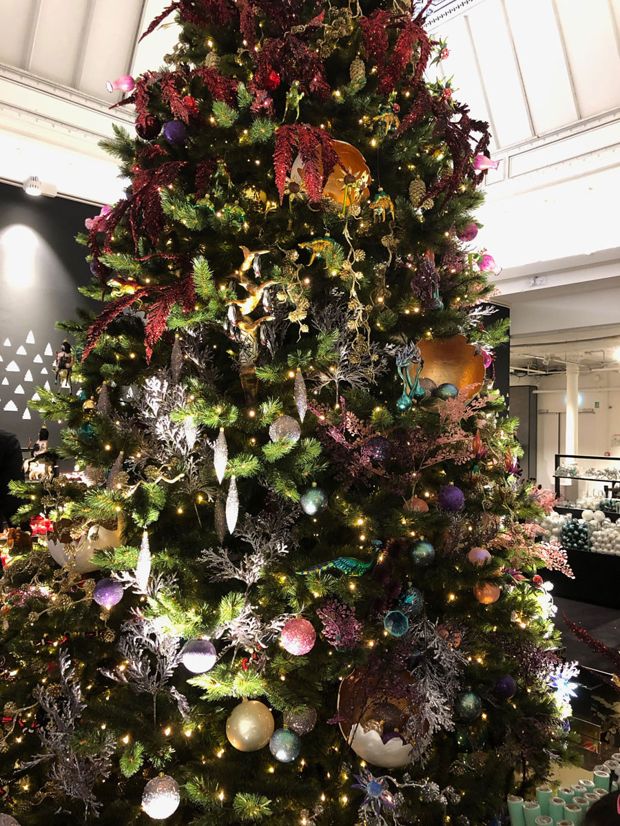 christmas-tree-enchanting-le-bon-marche