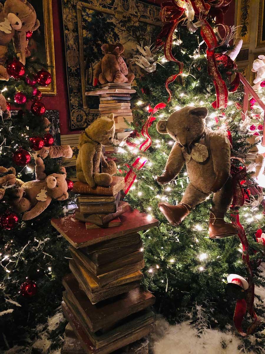 vaux-le-vicomte-christmas-teddy-bear