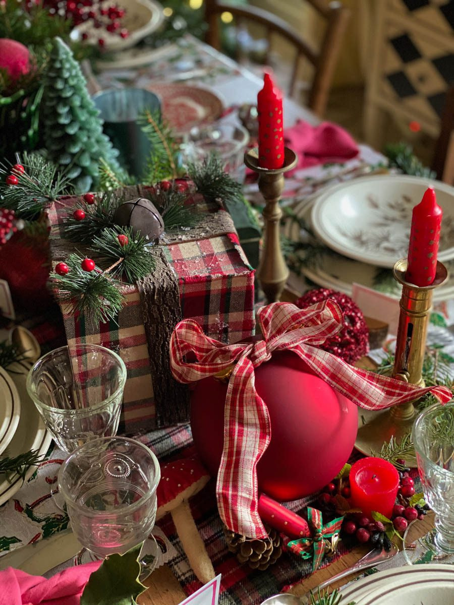 traditional-christmas-tablescape-table-fetes-noel-traditionnel-04