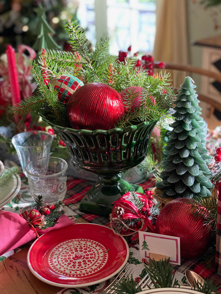 traditional-christmas-tablescape-table-fetes-noel-traditionnel-08