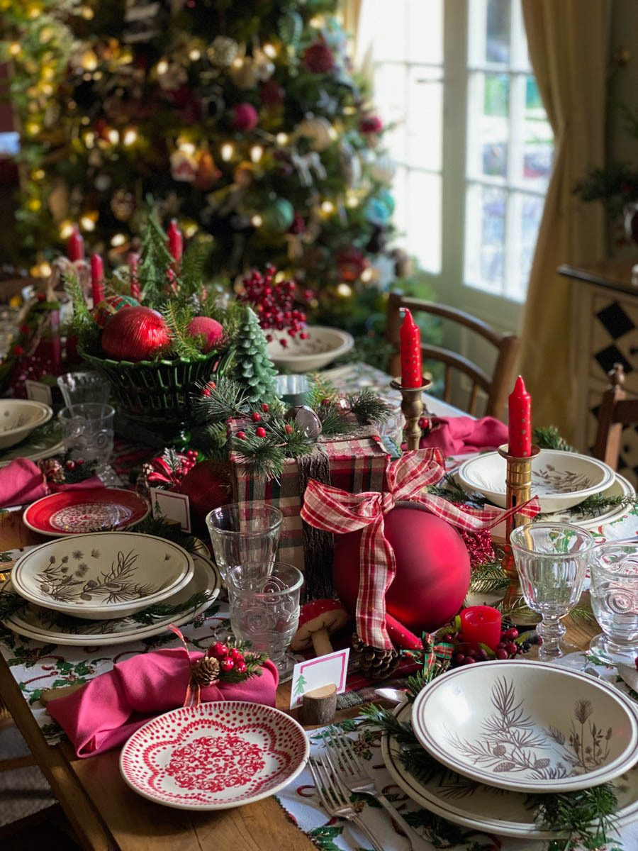 traditional-christmas-tablescape-table-fetes-noel-traditionnel-09