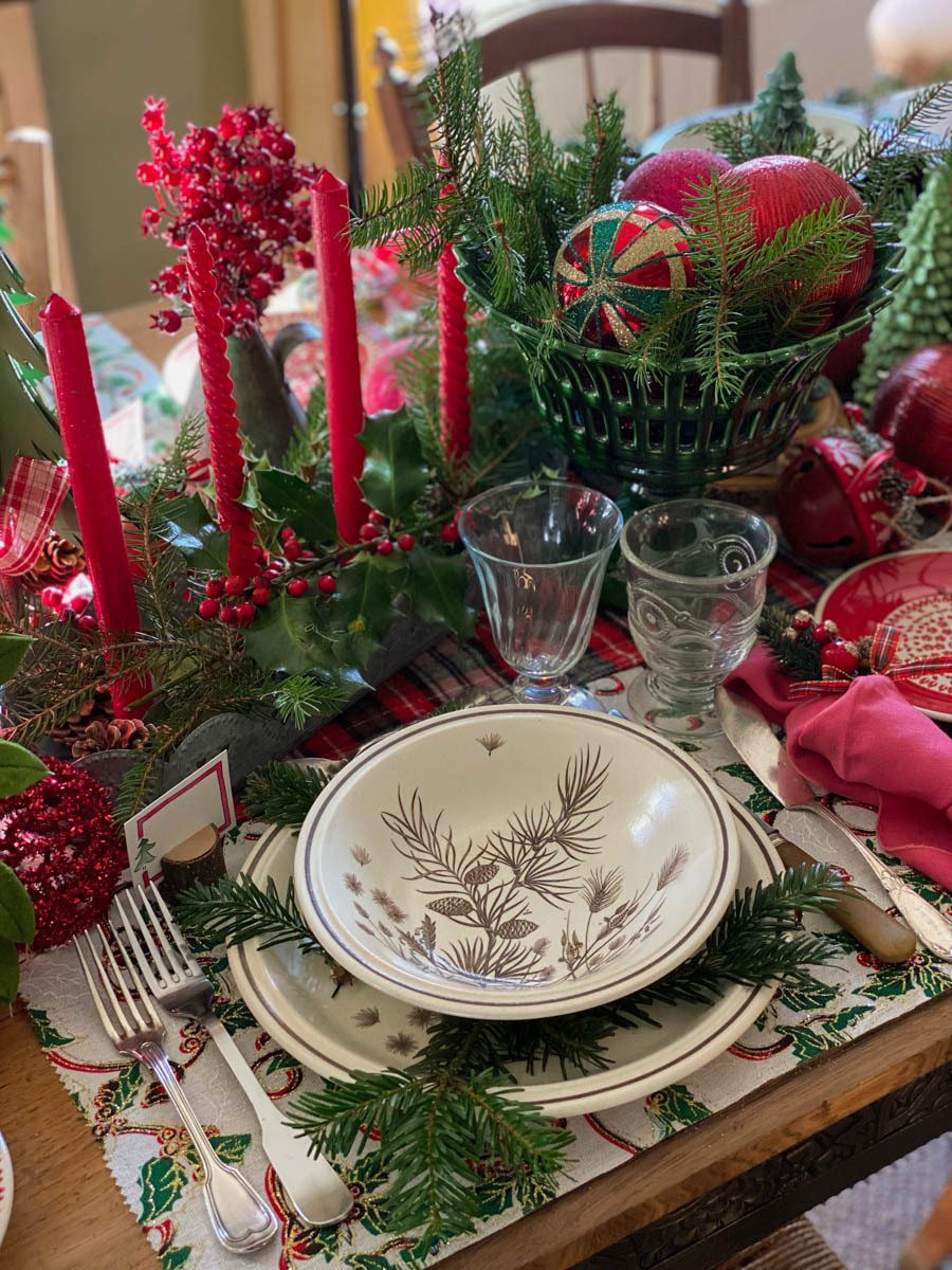 traditional-christmas-tablescape-table-fetes-noel-traditionnel-12