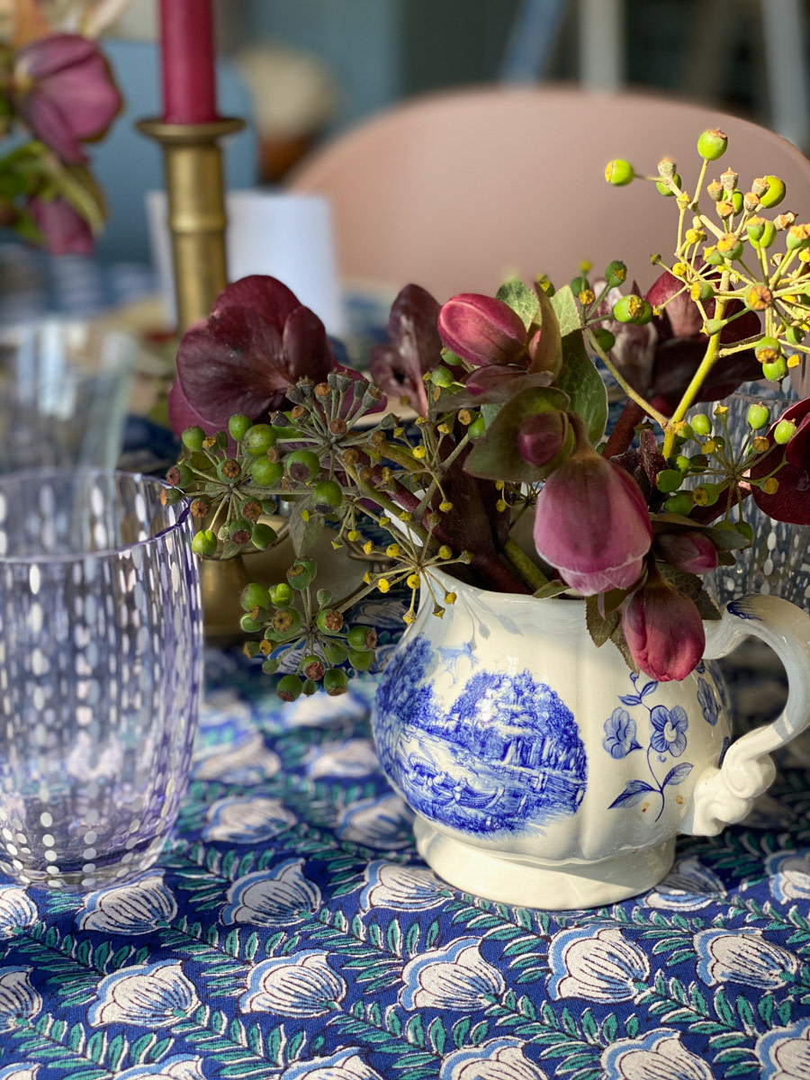 art-de-table-decoration-hellebores-tablescape-french-country-style-04