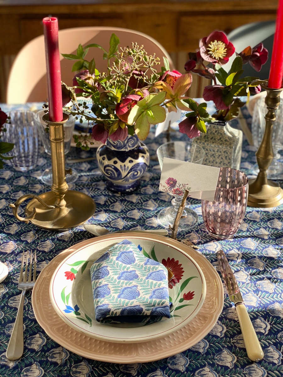 art-de-table-decoration-hellebores-tablescape-french-country-style-17
