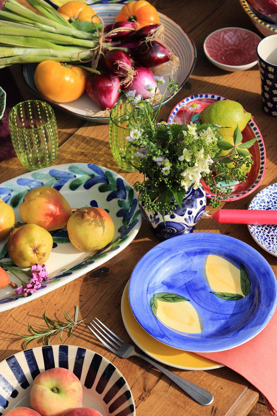 dresser-une-table-italienne-vaisselle