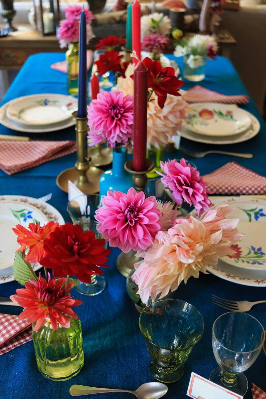 dresser-table-art-dahlias-tablescape-how-to-set-table-vt-06
